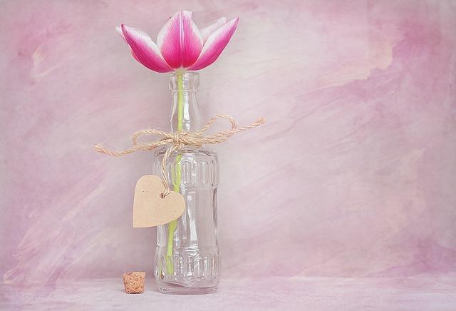 tulipán v láhvi.jpg